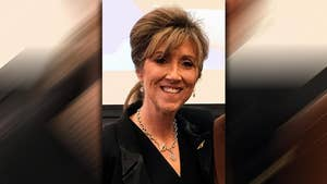 56-year-old Tammie Jo Shults is a former Navy pilot.