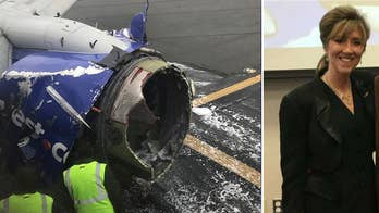 Former Navy pilot Lea Gabrielle provides insight into the pilot's emergency landing.