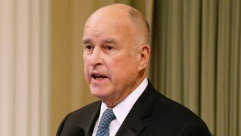 After weeks of negotiating Governor Jerry Brown agrees to send 400 troops along California's border.
