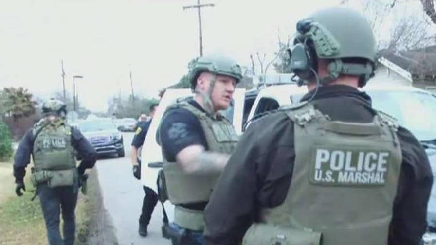 U.S. Marshals hunt for criminals at the southern borders. Gillian Turner gets an inside look at 'Operation Triple Beam.'