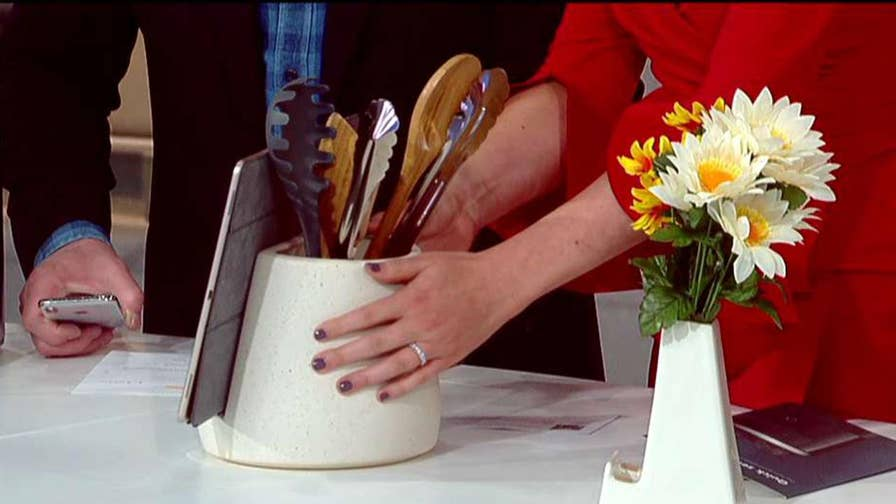 Kurt the 'CyberGuy' shares some gadgets that make great gifts for mom.