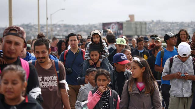 'Caravan of migrants' arrives at US border