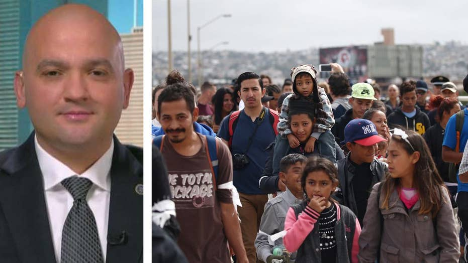 Border agents react to migrants demanding entry into the US