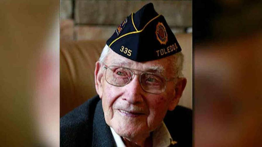 World War II veteran will receive his diploma 68 years after leaving college.
