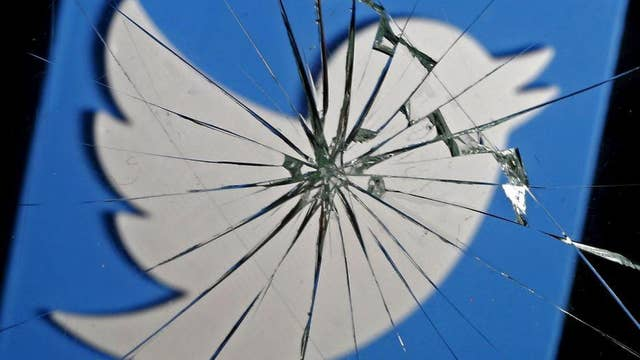 Twitter urges users to change passwords