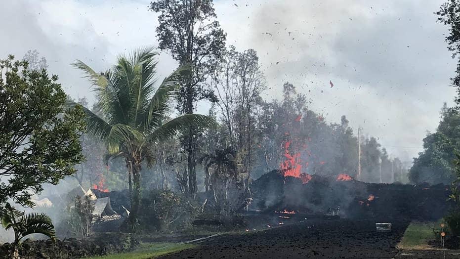 Earthquakes rock Hawaii as volcano erupts