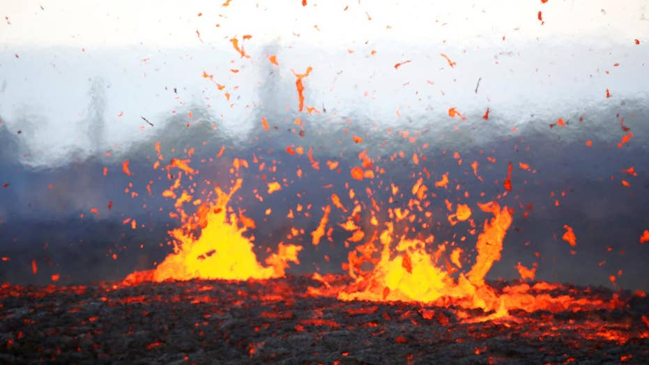New warnings issued over Hawaii volcano
