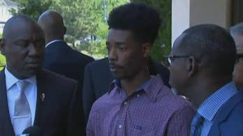 Raw video: Anthony Wall speaks to reporters at press conference about incident at North Carolina Waffle House.