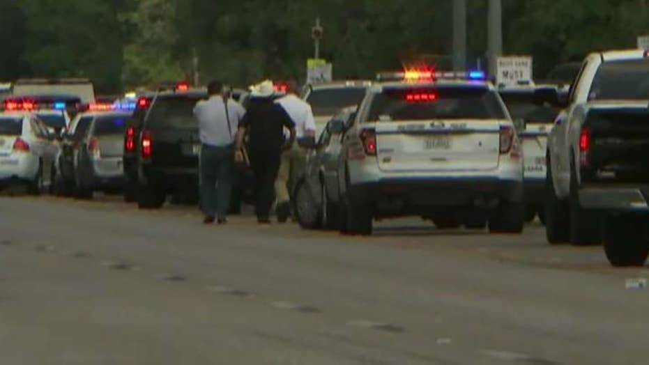 Witness: Gunman started shooting during first period class