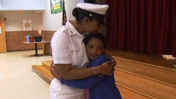 Navy Chief Petty Officer Marqueta Grant surprises her third grade daughter at school in heartwarming homecoming in Texas.