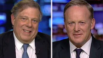 Former Clinton adviser Mark Penn is criticized for writing an anti-Mueller op-ed; Penn and Sean Spicer weigh in on 'Hannity.'