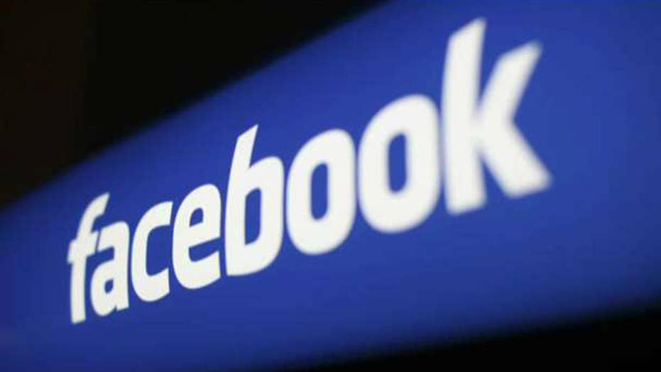 Facebook asks users to send in nude photos