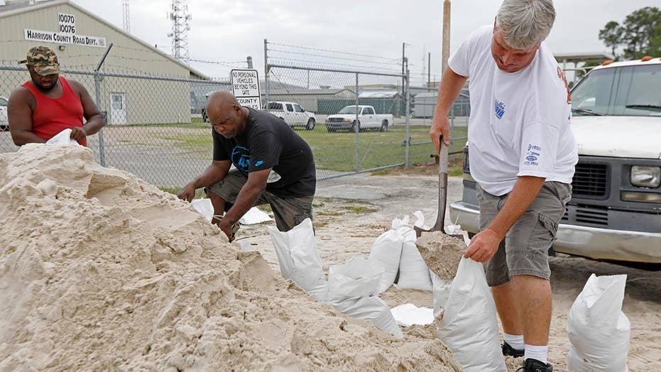 Gulf Coast braces for subtropical storm Alberto