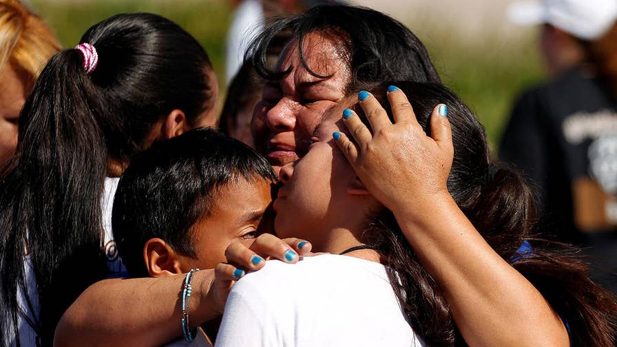 Officials insist that reports of nearly 1,500 lost migrant children are not true; chief national correspondent Ed Henry reports.