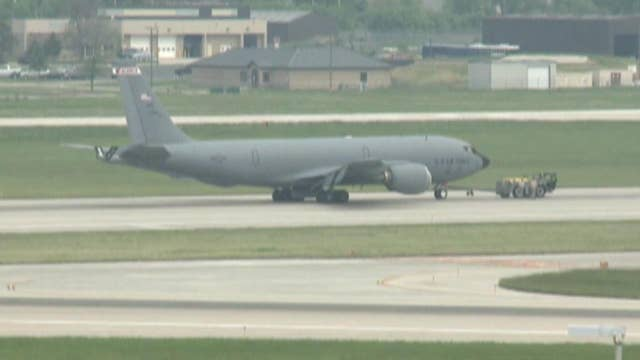 Raw video: Military aircraft makes emergency landing