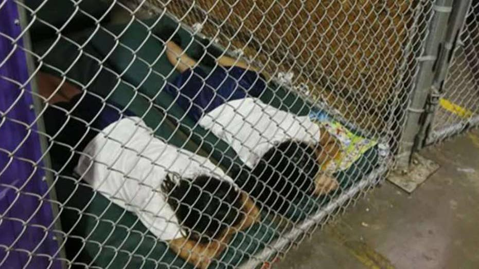 2014 photo of detained children used as swipe against Trump
