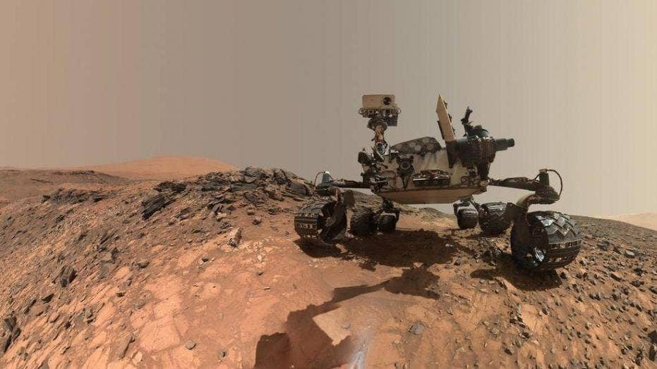 NASA discusses presence of organic molecules found on Mars