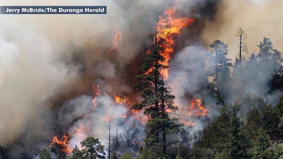 Growing wildfire evacuates thousands in Colorado
