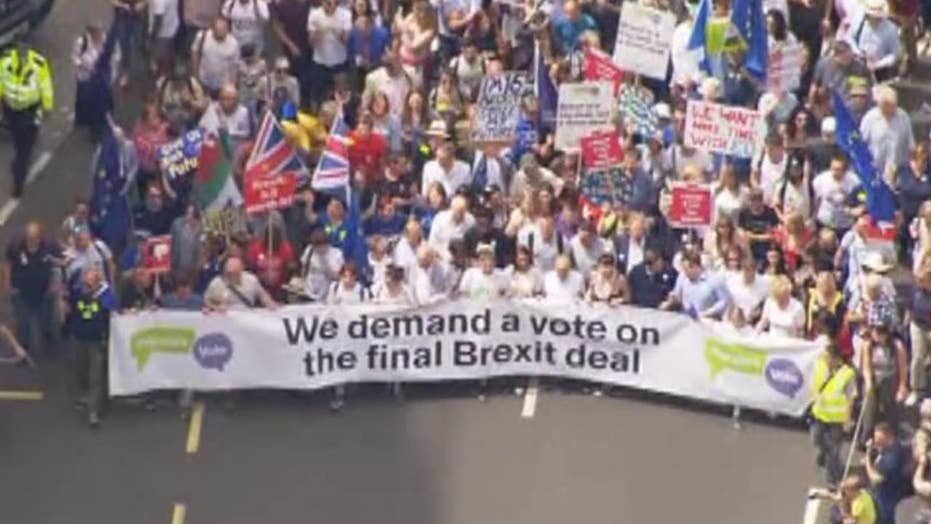 Thousands of pro-EU demonstrators march against Brexit