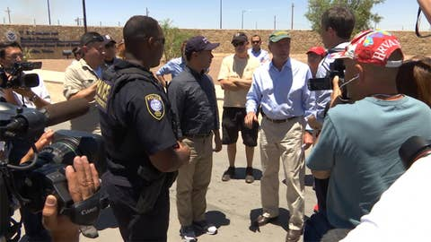 Lawmakers tour tent city along Mexico border