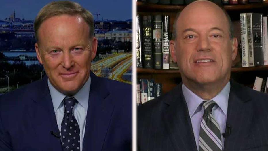 Spicer, Fleischer condemn calls to confront Trump officials