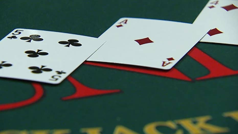 Vegas casino tipping policy mired in court lawsuit