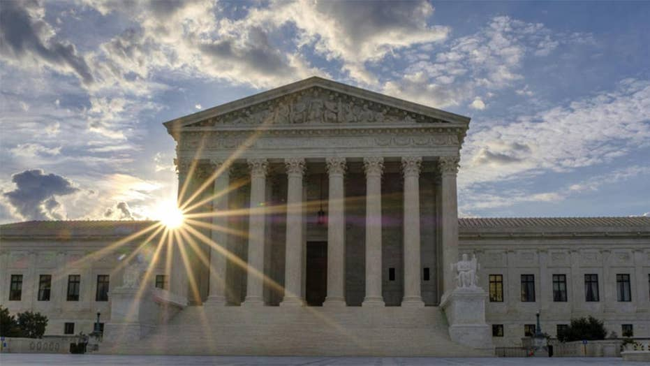 Trump, Democrats gear up for Supreme Court showdown