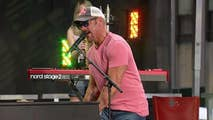 Phil Vassar performs 'I Wish You Were Beer' on the plaza.