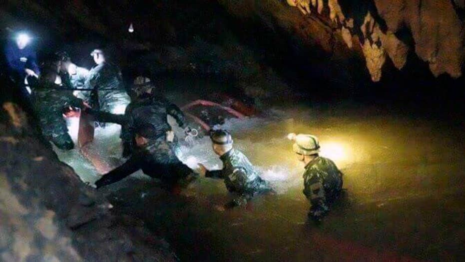 Thai Navy SEALs analyze cave rescue plans ahead of rain