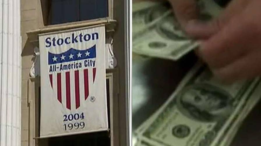 City of Stockton to pay 100 residents $500 a month without any conditions.