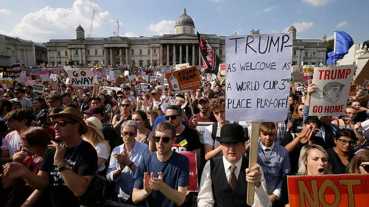 Tens of thousands protest Trump in London