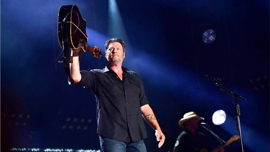 Blake Shelton admits to being drunk on stage