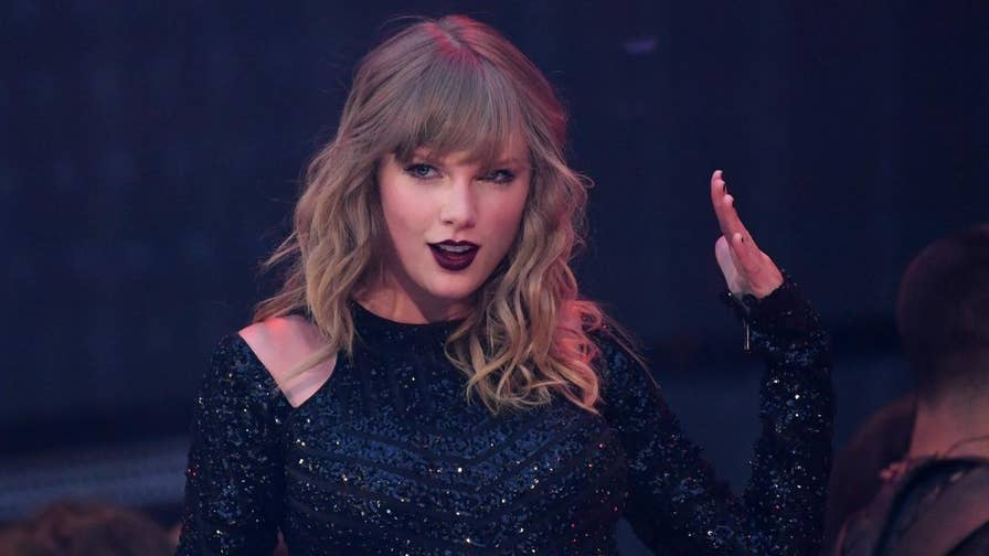 10 interesting facts about pop star Taylor Swift.