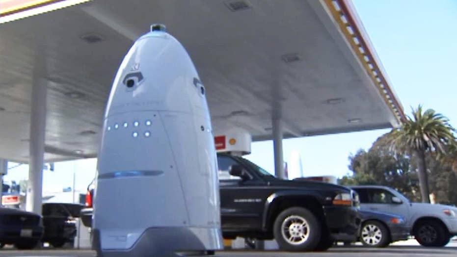 Robot begins patrolling San Francisco gas station