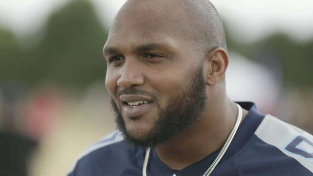 NFL star sticks to anthem protests