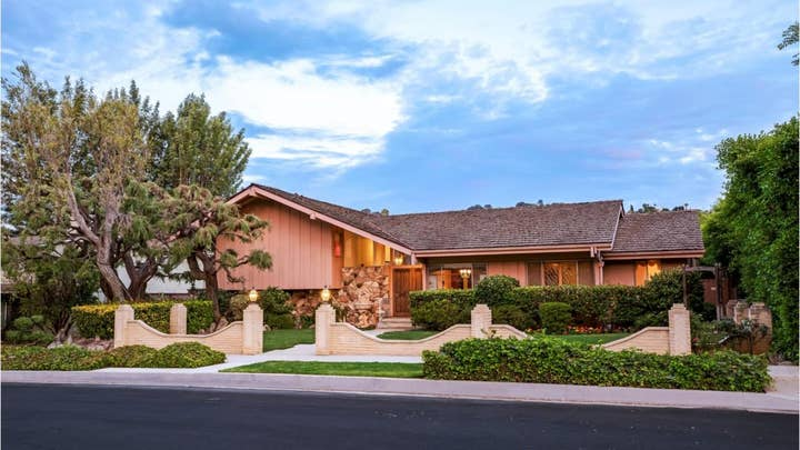 Iconic 'Brady Bunch' house for sale, but could be torn down