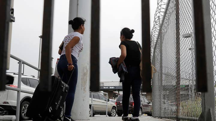 Admin, ACLU fail to agree on wait time for asylum applicants