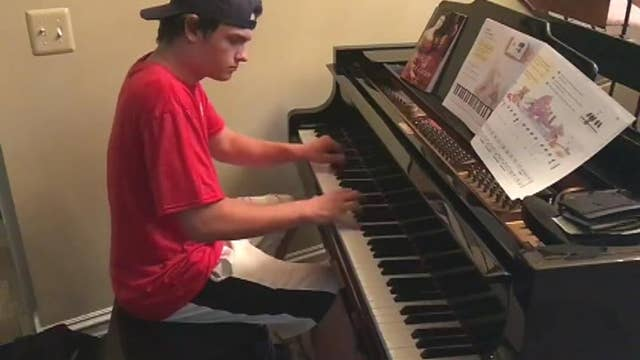 Must watch: Pizza delivery man plays Beethoven for customer