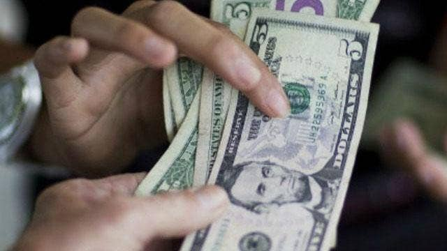 Extra cash in paycheck giving Americans an appetite to spend