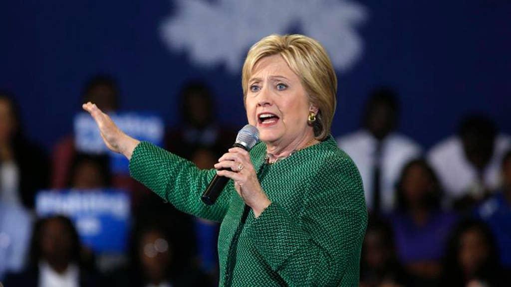Clinton praises girl, 11, who took knee for Pledge of Allegiance
