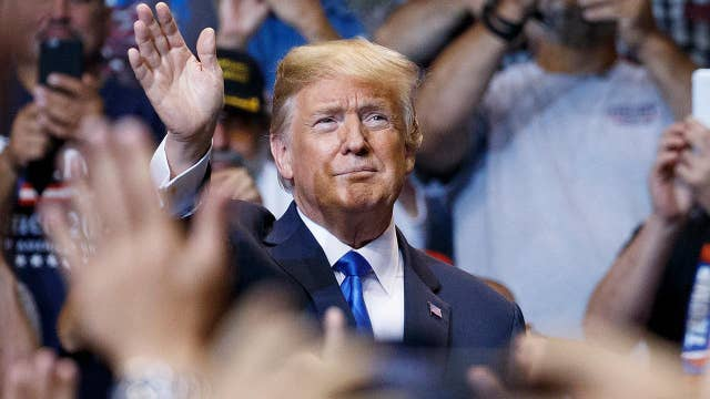 Trump fires up Republican base at Pennsylvania rally