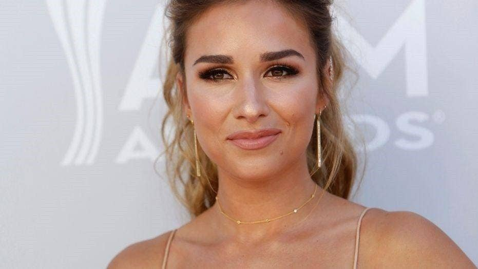 11554ea0e Jessie James Decker gets slammed by fans for drinking while breastfeeding
