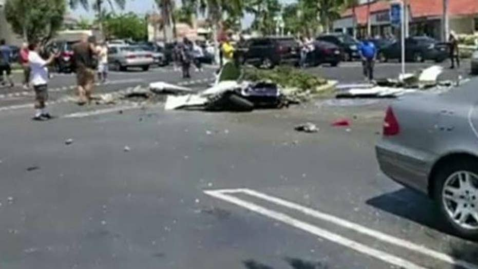 5 dead after plane crashes in California mall parking lot