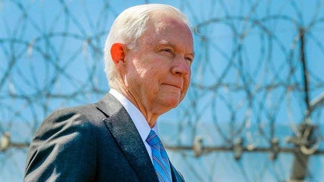 Judge halts mother-daughter deportation, threatens Sessions