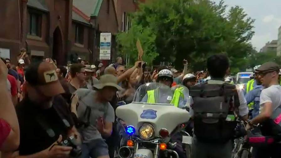 Police work to keep 'Unite the Right Two' protesters and counter protesters separated; Peter Doocy reports.