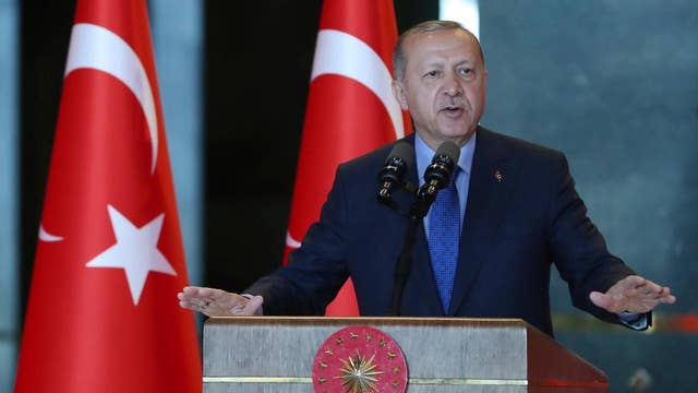 White House escalates diplomatic fight with Turkey