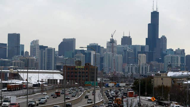 Cash-strapped Chicago proposes universal income program