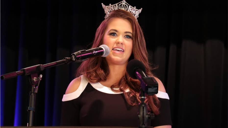 Miss America Cara Mund accuses leadership of bullying