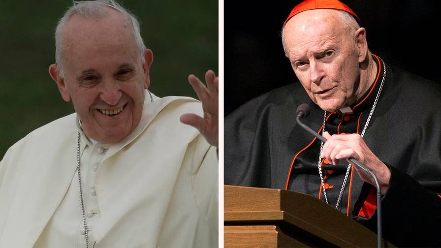 Archbishop Carlo Maria Viganò calls on Pope Francis to resign over his handling of the Theodore McCarrick sexual misconduct claims; Bryan Llenas reports on the details.