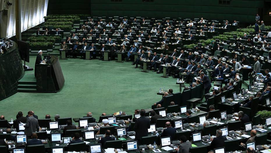 Iran's parliament blames Rouhani for economic crisis